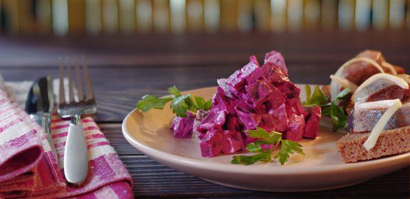 Шведский салат со свеклой