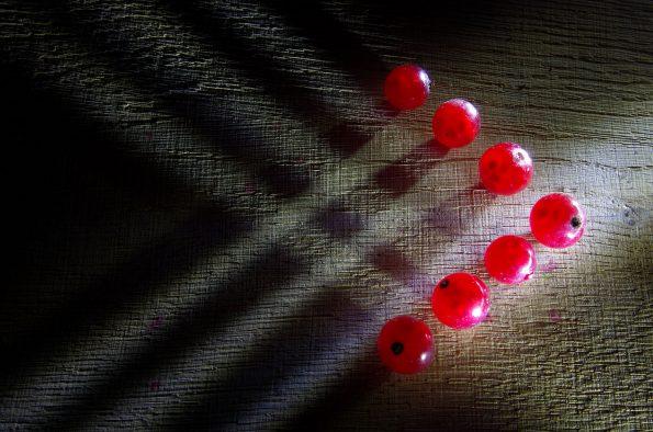красная смородина стрелка