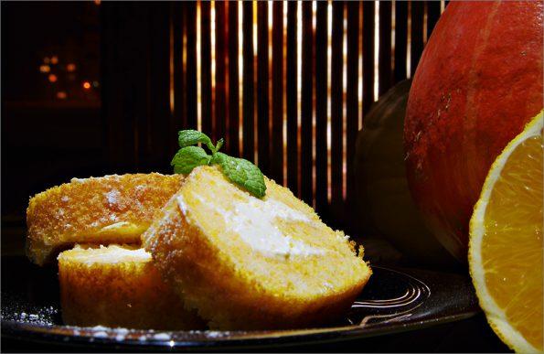 Тыквенно-апельсиновый рулет