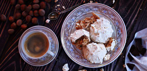Некрасивое, но вкусное печенье с орехами и шоколадом