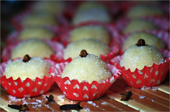Бразильские кокосовые шарики