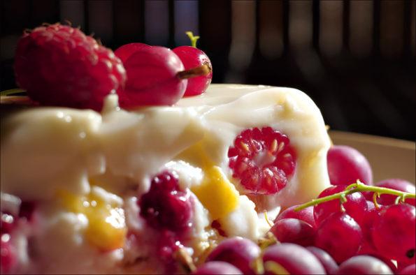 летний йогуртовый торт