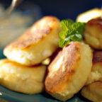 Пышные сырнички как пончики
