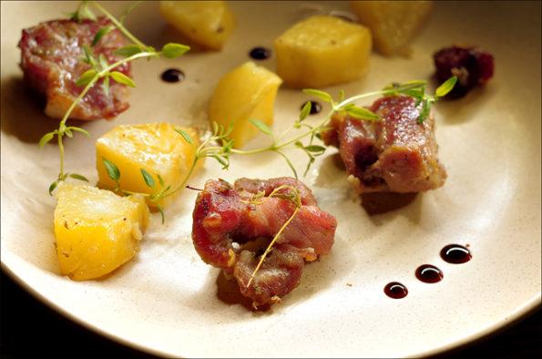 Жаркое из свинины в греческом стиле