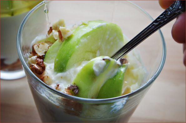 Трайфл с яблоками и медом